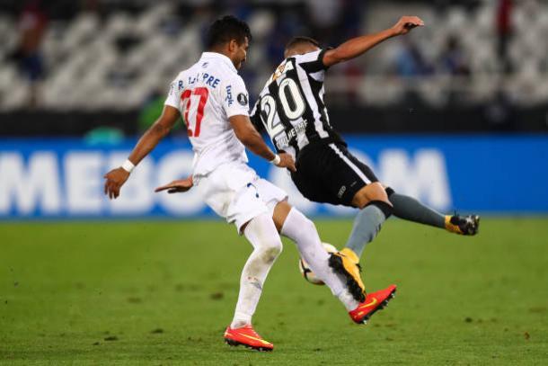Aguirre chegou a ser expulso no confronto contra o Botafogo, pela Libertadores de 2017