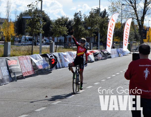 Aida Nuño celebrando la victoria. | Fuente: Enric García - VAVEL