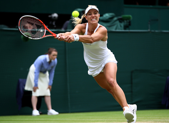 Kerber struggled to deal with the pace of Serena's serves early on.   Photo: Getty