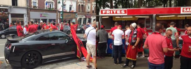 Les supporters Albanais envahissent Lens et ses alentours.