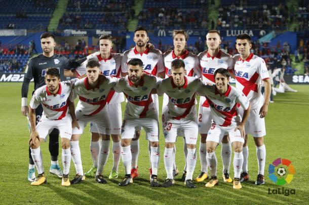 Alineación del Alavés en el partido de ida. / Foto: La Liga