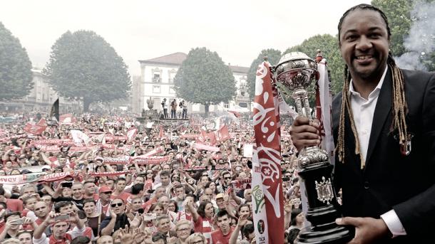 Alan con la Taça de Portugal conquistada la temporada 2015/16 Foto: SCBraga