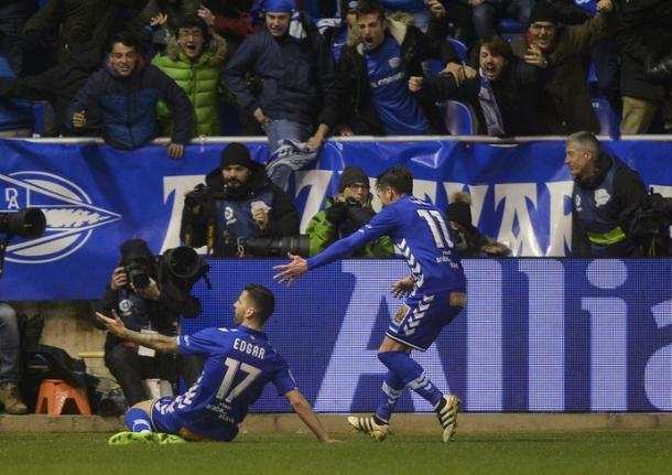 Celebração do gol de Édgar Méndez contra o Celta (Foto: Vincent West/Reuters)