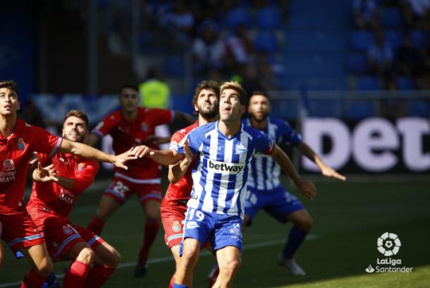 Jugada a balón parado para el Espanyol. Foto: Twittwer de La Liga.