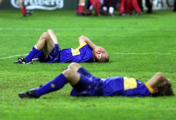 Jugadores del Alavés, desesperados tras el gol en propia meta de Geli. Fuente: vavel.com