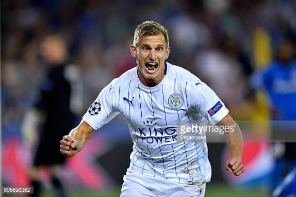 Marc Albrighton celebrates his goal in the 3-0 victory in Brugge | Photo: Getty/ Photonews