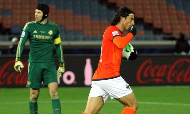 Aldo de Nigris después de marcar gol ante Chelsea. Foto: Rayados