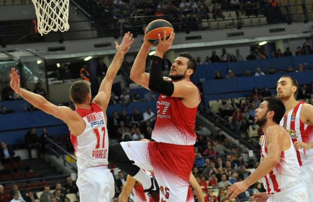 Ale Gentile, protagonista assoluto con 10 punti all'intervallo - Foto Euroleague Twitter