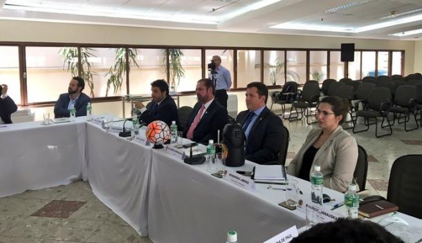 Presidente da Conmebol divulgou foto do Comitê em reunião, nesta terça, estando entre eles o presidente do Atlético-MG, Daniel Nepomuceno (Foto: Reprodução/Twitter)