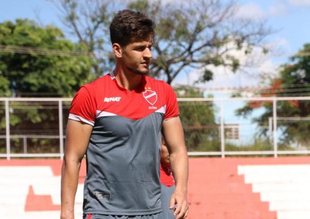 Alisson é um dos que vai ser acionados como titular por ausência forçada na equipe (Foto: Douglas Monteiro/Vila Nova)