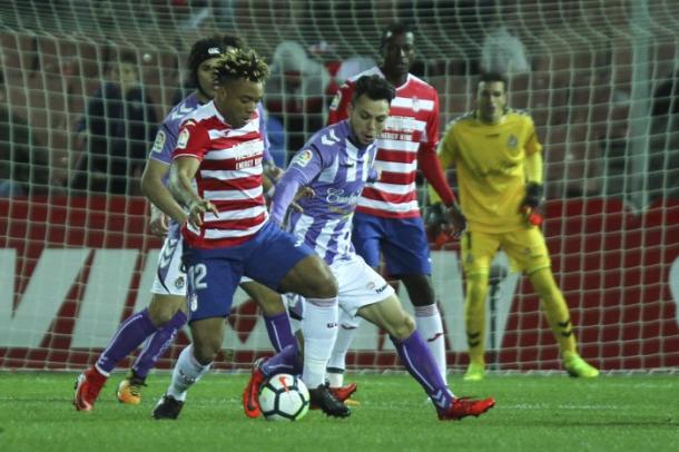 Kunde en el partido contra el Valladolid | Foto: Antonio L. Juárez
