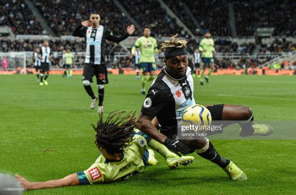 Allan Saint-Maximin and Miguel Almiron in action against Bournemouth's Nathan Ake (Photo by Serena Taylor/ Getty Images)