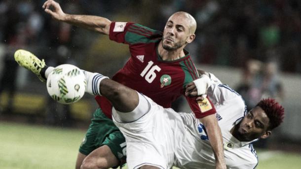 El jugador del Leganés, Amrabat, disputando un balón con la camiseta de Marruecos. / Foto: reuters.com