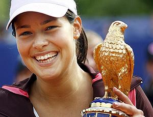 Ana Ivanovic en 2007 en Berlín con el trofeo Águila Imperial (Foto: ElMundo)