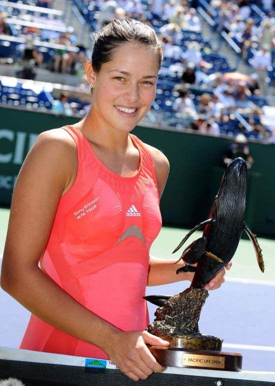 La serbia con su trofeo de campeona en Indian Wells (Foto: pinterest)