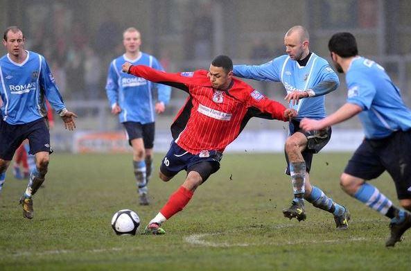 André Gray durante un partido con el Hinclkey United en 2011   Foto: Hinckley United