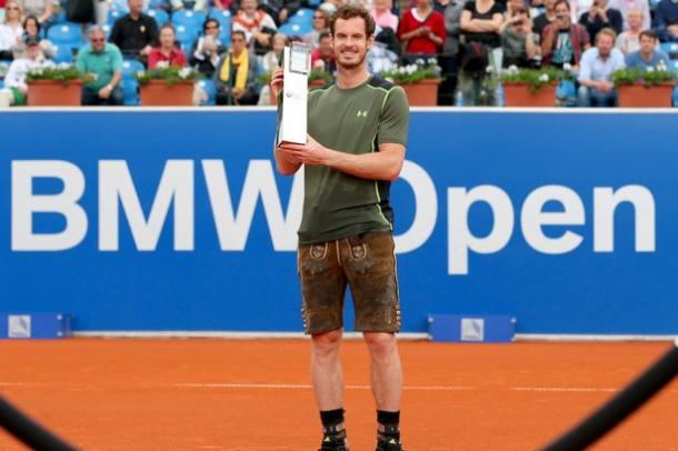 Andy Murray posing with his trophy after his Munich Open win. (source: Getty)
