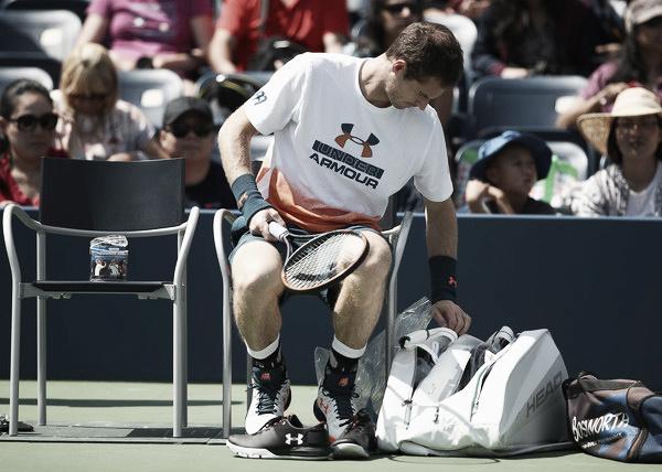 Andy Murray entrenando en el día previo a anunciar que no competiría | Imagen:Zimbio