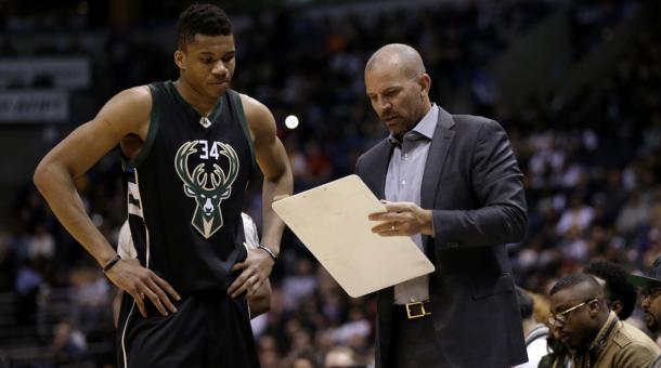 Giannis Antetokounmpo se mostró muy dolido ante la destitución de Kidd. | Fotografía. Mike McGinnis / Getty Images