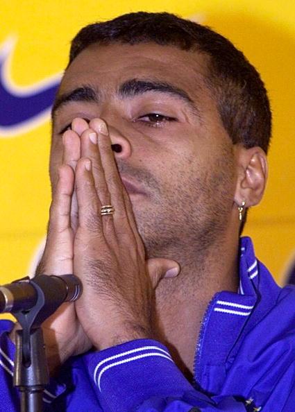 O choro na coletiva: Romário é cortado do Mundial de 98 (Foto: Antonio Scorza via Getty Images)