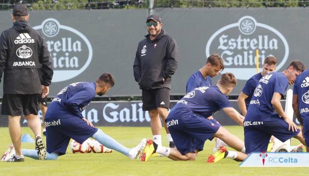 Antonio Mohamend entrenado al equipo | Foto: RC Celta de Vigo