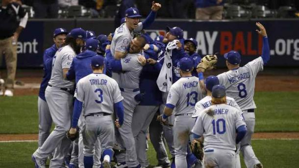 Los Angeles is in back-to-back World Series for the first time in 40 years/Photo: Charlie Riedel/Associated Press