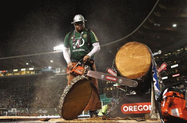 Timber Joey y su 'Victory Log' (pdxmonthly.com)