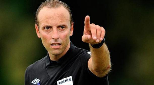 Daniel Fedorczuk, árbitro central de esta noche. Foto: EFE