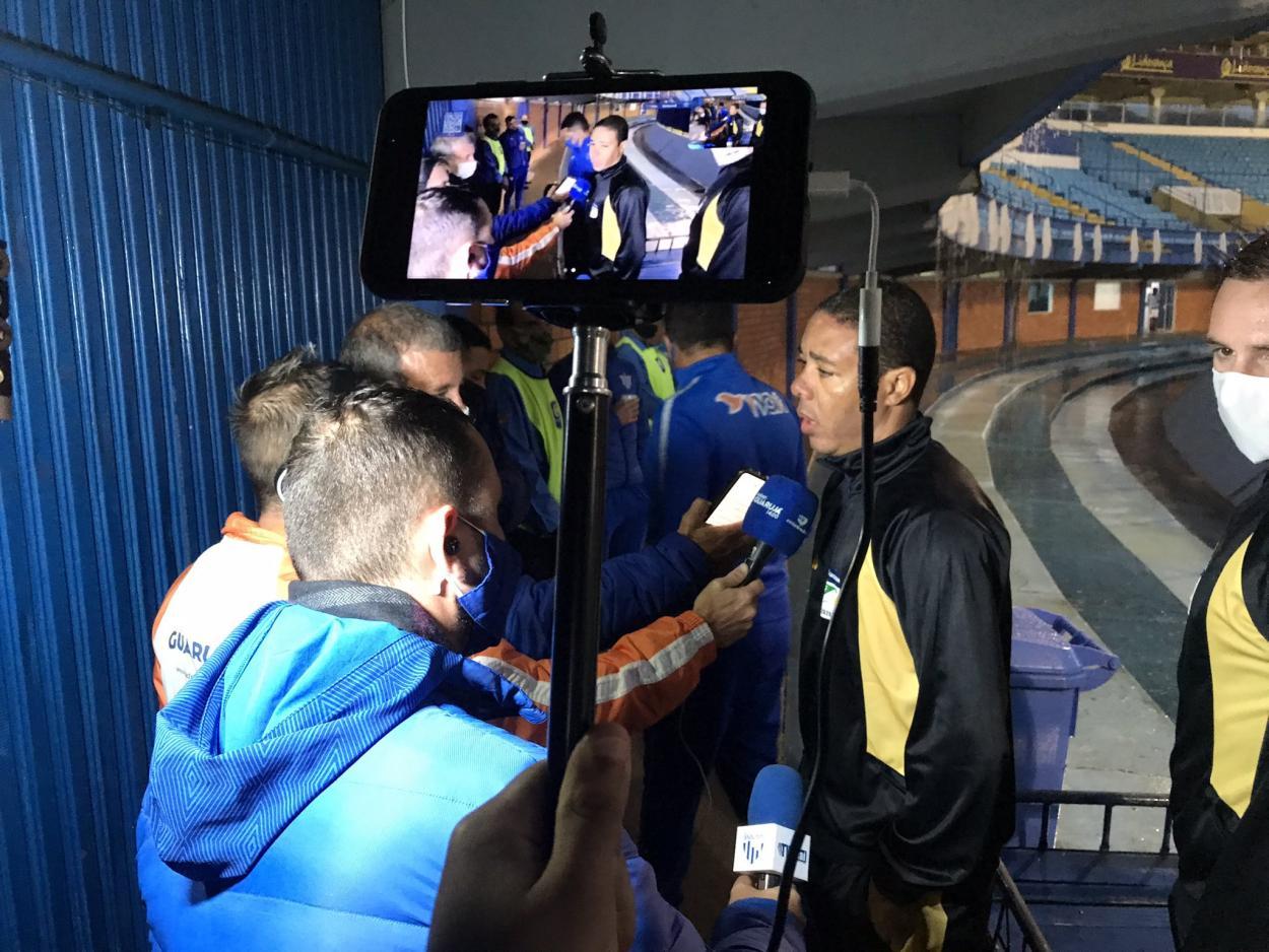 Árbitro defendeu integridade dos atletas para decretar adiamento da partida (Foto: Divulgação/Avaí FC)