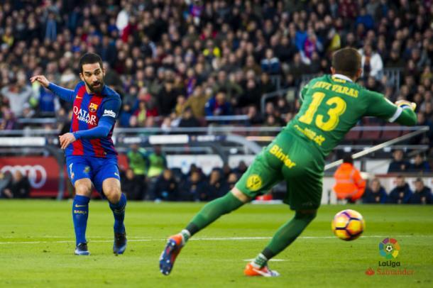 Il tap in di Turan per il 4-0, www.laliga.es