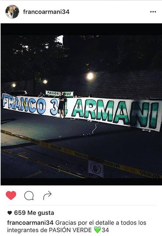 Franco Armani luce con el trapo que simboliza el cariño de la hinchada 'verdolaga'.   Foto: Instagram de Franco Armani