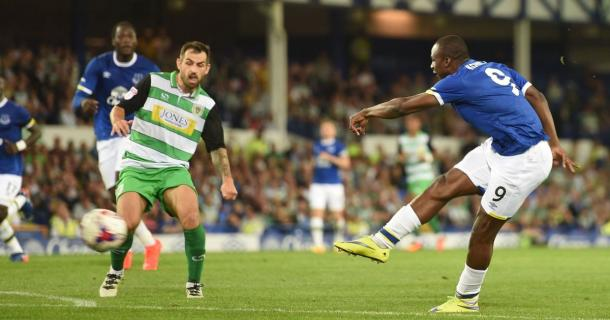 Arouna Kone outshone Everton's star striker Romelu Lukaku with two goals against Yeovil. | Photo: Getty Images