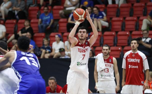 Yigit Arslan, micidiale tiratore dal perimetro - Source FIBA.com