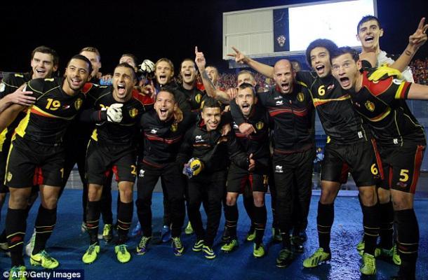 Belgas celebram vaga na Copa do Mundo de 2014 (Foto: Getty Images)