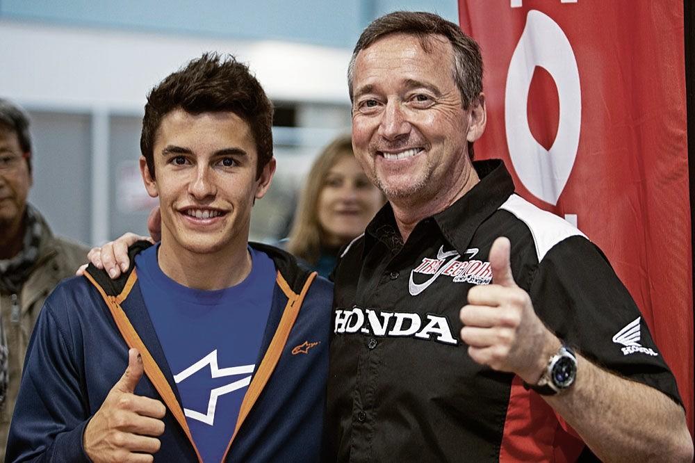 Marc Márquez junto a Freddie Spencer / Fuente: Motociclismo.es