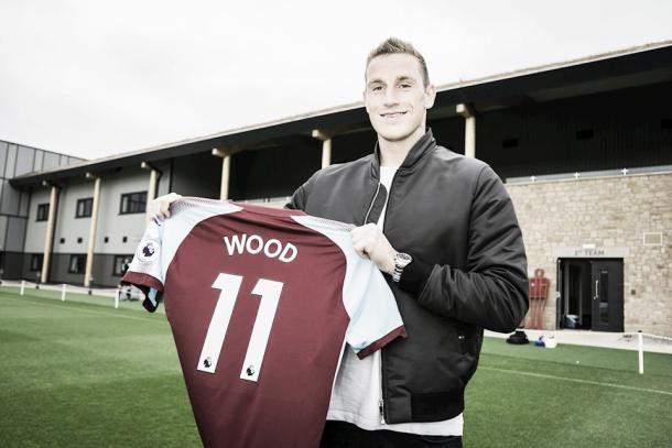 Wood chega do Leeds para ser o jogador mais caro da história do Burnley (Foto: Divulgação / Burnley)