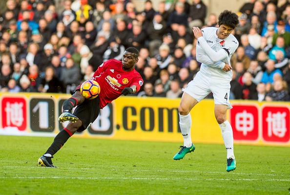 Momento da finalização de Pogba; chute indefensável para Fabianski | Foto: Athena Pictures/Getty Images