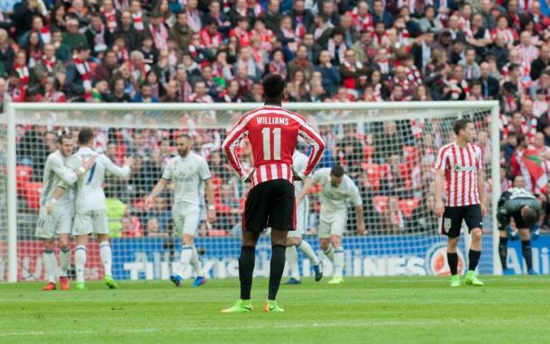 Iñaki Williams observa la celebración del gol madridista en el último duelo que ambos equipos jugaron I Foto: Athletic Club