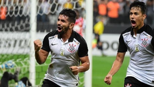 Algoz em 2014, Guilherme tem passagem apagada pelo Corinthians (Foto: Fernando Dantas/Gazeta Press)