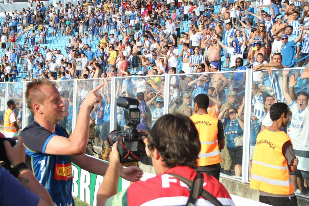 Ídolo Marquinhos marcou gol da vitória do Avaí na rodada final da Série B em 2014 (Foto: Jamira Furlani/Avaí FC)