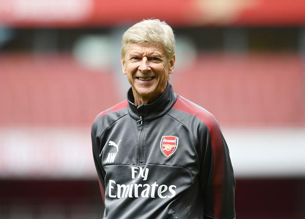 Sob risco de sair na temporada passada, Wenger renovou por mais dois anos após vencer a Copa da Inglaterra (Foto: Stuart MacFarlane / Getty Images)