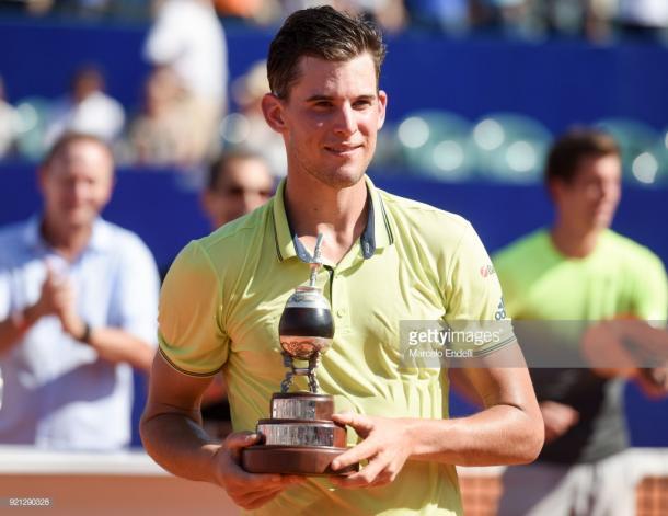 Thiem posa con el trofeo de campeón en Buenos Aires. Foto: Getty Images.