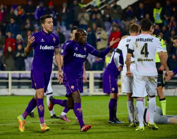 Le proteste di Babacar e Vecino dopo il gol annullato al senegalese - Foto FiorentinaNews