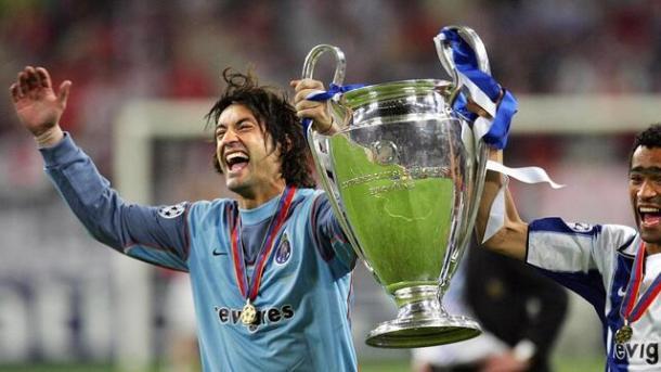 Vítor Baía con la Champions conseguida con el FC Porto. Foto: FC Porto