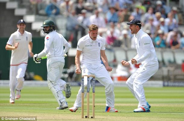 Jake Ball celebrates his first test wicket (photo: Getty Images)