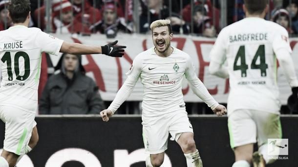 Celebración del gol de Gondorf para el Bremen | Foto: Twitter @Bundesliga_DE