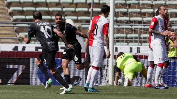 I giocatori dell'Ascoli esultano dopo il gol realizzato al Bari la scorsa settimana (Fonte foto. Corriere dello Sport)
