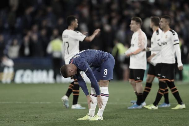 Ross Barkley resignado tras fallar el penalti./ Foto: Champions League