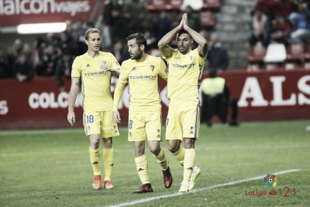 Barral celebrando su gol mientras pide perdón a la que fue su afición   Imagen: LaLiga