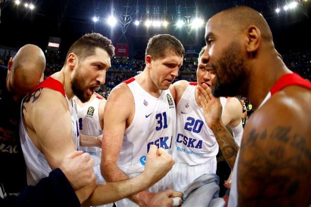 Kurbanov e compagni mostrano i muscoli dopo il 3-0 di Vitoria - Foto Eurolega
